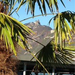 Inter-hotel L'Iroko Grand Port - Aix les Bains, Savoie, France. Mais si c'est en Savoie regarde en arrière plan;-) photo non truqué...
