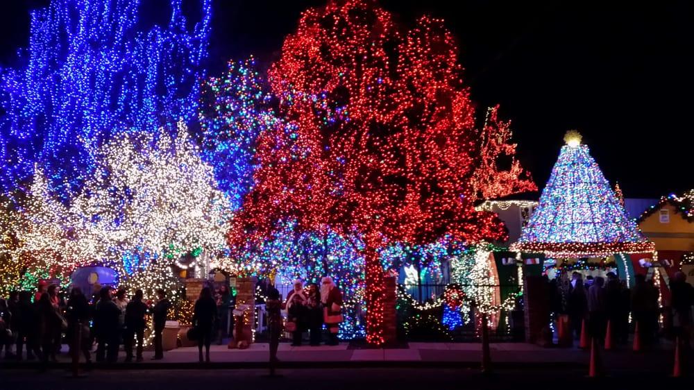 Deacon dave s christmas lights 114 photos home decor for Home decor livermore