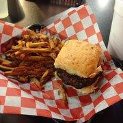 Wholly Cow Burgers, Rings & Things - Veggie burger w/ff - Abilene, TX, Vereinigte Staaten