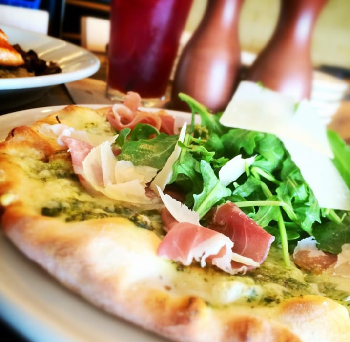 Grilled Pizza With Fontina And Arugula Recipe — Dishmaps