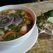 Van's Cafe - Vegetarian pho is right on the menu, hits the spot on a cold night, slurp! - West Reading, PA, Vereinigte Staaten