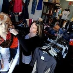 Girls clothing stores. High fashion clothing stores