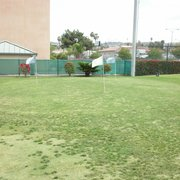 Rowland Heights Golf Center - Chipping green located next to putting green #1 - Rowland Heights, CA, Vereinigte Staaten