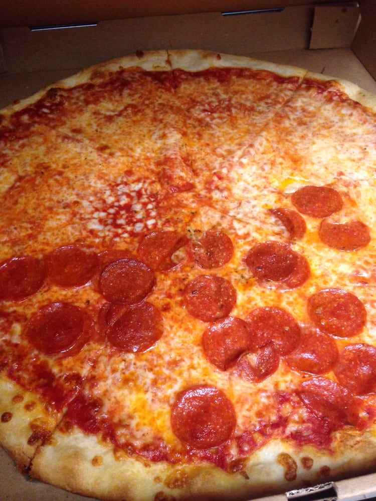 Toby s original little italy pizza 26 fotos pizza for Pizza original