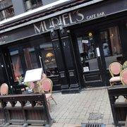 Muriel's (exterior)