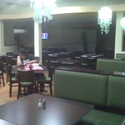 T2 Filipino Fusion - The vast dining area at Lunch - National City, CA, Vereinigte Staaten