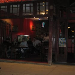 Teapot Restaurant - They take out the front windows when it gets nice outside. - Northampton, MA, Vereinigte Staaten
