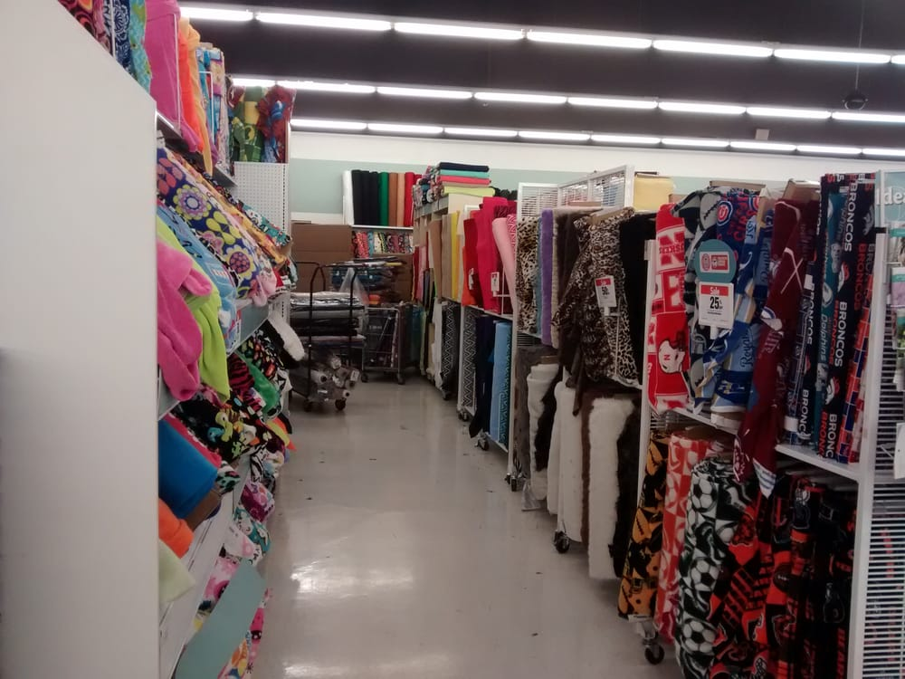 Jo ann fabric and craft store fabric stores aurora co for Fabric outlet near me
