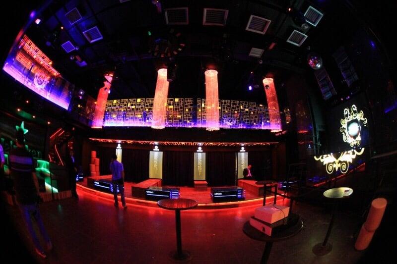 Zax club danceterias boates barra da tijuca rio de for Miroir club rio de janeiro