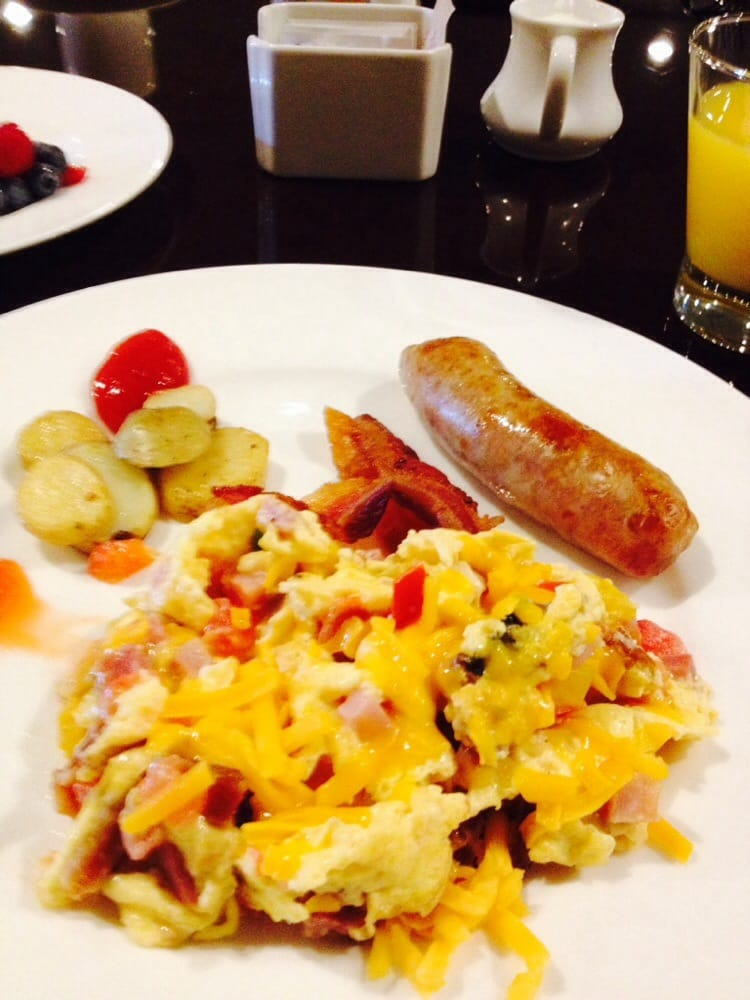 ... egg scramble with ham cheese mushrooms and peppers! - King of Prussia