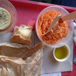 Le Rosa Bonheur - Paris, France. Fromages et carottes rapées: Juste parfait !