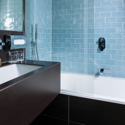 Bad mit Wanne Executive & Deluxe…