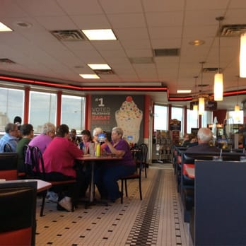 Steak n shake 14 photos burgers effingham il for Steak n shake dining room hours