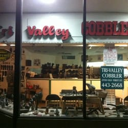 Cohee's Expert Shoe Repair - Nashville, TN, United States. Picture of the soles