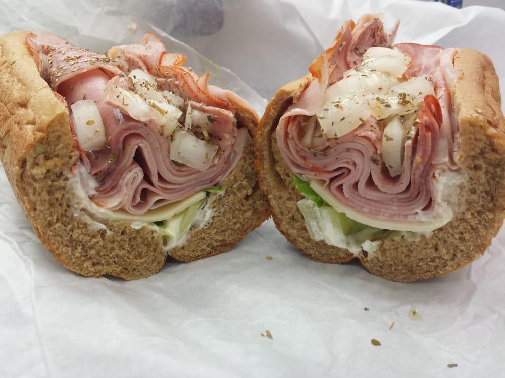 The samich shop 33 foto panini sandwich 2500 n for Planimetrie da 2500 piedi quadrati