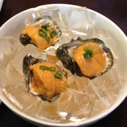 Sushi Ryokan - Uni oyster shooters - Seal Beach, CA, Vereinigte Staaten