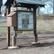 Rockville Hills Regional Park - Info board with the R.A.T.'s Karma Kit mounted on the left - Fairfield, CA, Vereinigte Staaten