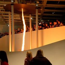 Feuertornado im phaeno Foto Lars…
