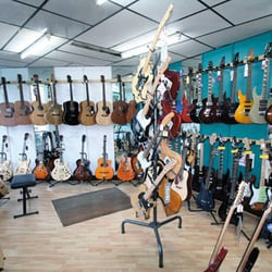 L'appétissant showroom guitare...