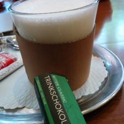 Aus heißer Milch und Schokolade...