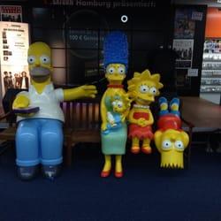 Werbefiguren im Laden