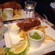 The Bombardier - Paris, France. Fish&chips, purée petits pois