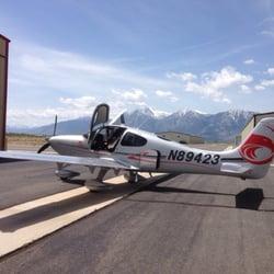 Sierra Skyport - Amazing Cirrus SR 20 training aircraft. - Minden, NV, Vereinigte Staaten