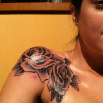 Downtown Tattoo - Smell the roses - Las Vegas, NV, United States