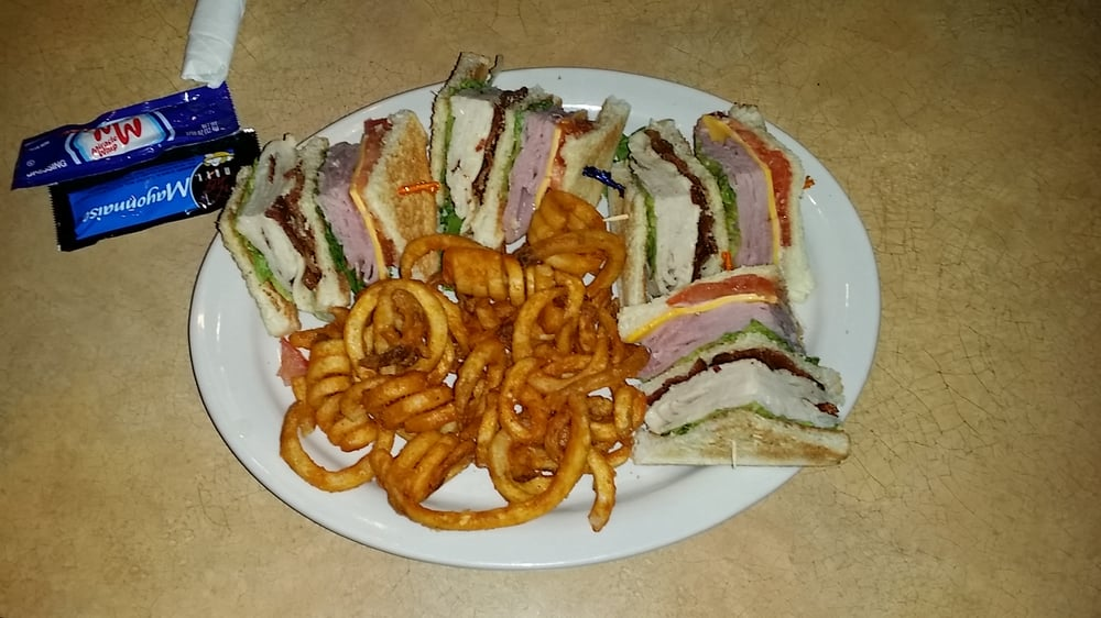 Belton (MO) United States  city photos gallery : ... Tower club sandwich with curly fries. Belton, MO, United States
