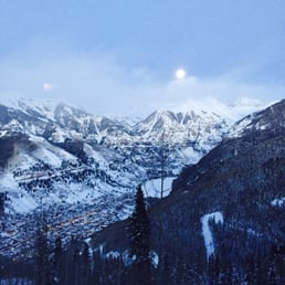 Allred's Restaurant - Telluride, CO, États-Unis. The view from the bar and the restaurant