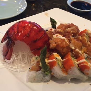 The blue fish 228 photos japanese restaurants north for Blue fish dallas