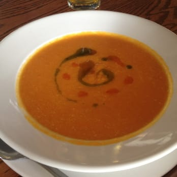 Mulligan's On the Blue - Carrot ginger coconut bisque - Kihei, HI, Vereinigte Staaten