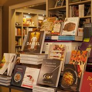 McIntyre's Books - Cookbooks galore! And a seasonal Cooks & Books series - Pittsboro, NC, Vereinigte Staaten