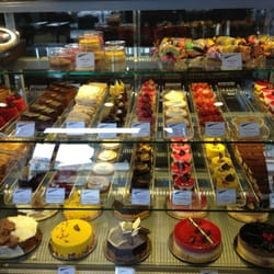 awesome pastry selection. feels like being in Paris again.
