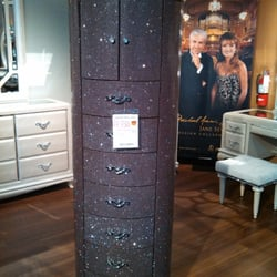 Living spaces 104 photos furniture stores mission for Living spaces furniture reviews