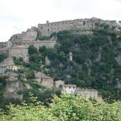 Calvi dell' Umbria vom Süden kommend