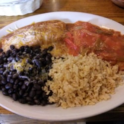 El Paso Cafe - Enchilada and Chile Relleno combo.  Note the Relleno sauce is thick with chunks of onions and peppers. - Mountain View, CA, Vereinigte Staaten