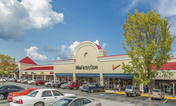 """5 thoughts on """"Shop til you drop: A full list of Tanger Ottawa outlet stores (so far)"""""""