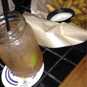 Redwing Bar & Grill - Moscow mule $8 and fried pickles $6~ - San Diego, CA, Vereinigte Staaten