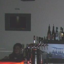 Il bancone...ottimi i cocktail e la…