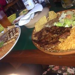 Mis Burritos - North Hollywood, CA, États-Unis. Chicken grill & Carne Asada