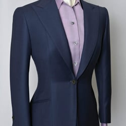 Ladies single breasted city style suit