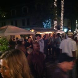 Barone's Restaurant - Thursday night patio and private cabanas (you have to reserve them) - Pleasanton, CA, Vereinigte Staaten