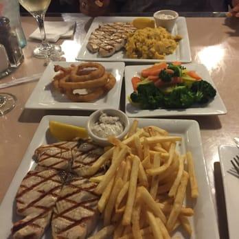 Fin s market grill 81 photos seafood restaurants for Fish market sacramento