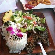 Barefoot Beach Cafe - Ahi tuna lunch plate. - Honolulu, HI, Vereinigte Staaten