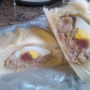 Yong Kee Rice Noodle Company - Gai Bao - Steamed Chicken Bun w/ Chinese Sausage & Egg! - San Francisco, CA, Vereinigte Staaten