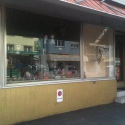 Meine garderobe shop kreis 3 zurich z rich yelp for Garderobe 8003