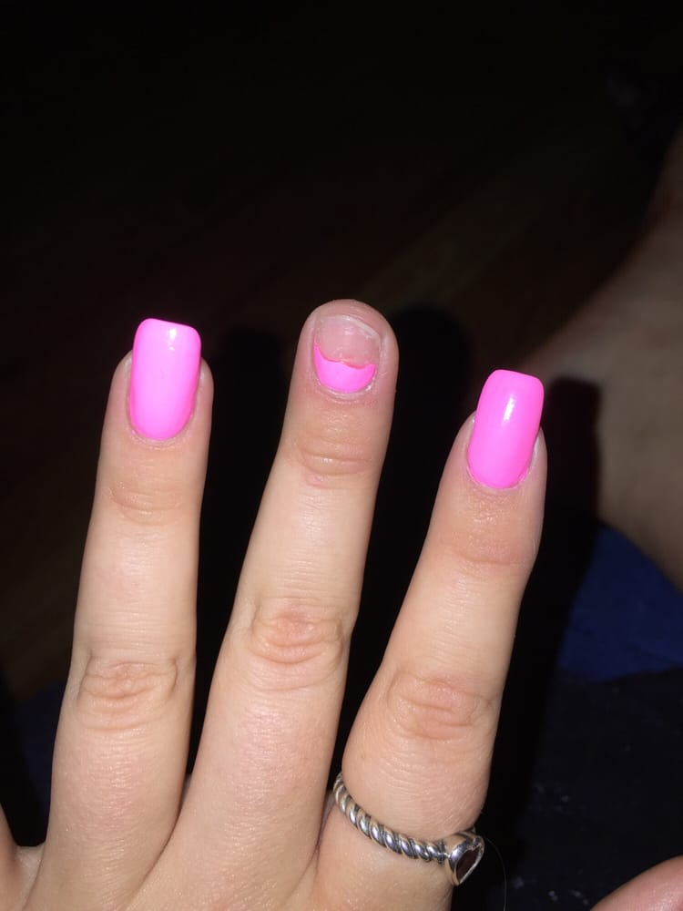 8 Reasons Why Acrylic Nails Are Not Worth It