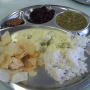 Komala Vilas - Sunnyvale, CA, États-Unis. Special Pongal Menu: Mor kuzhambu, chips, spinach koottu, beets kari, vadai