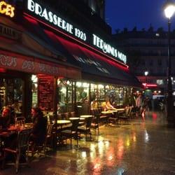 Rainy Parisian front - classic!